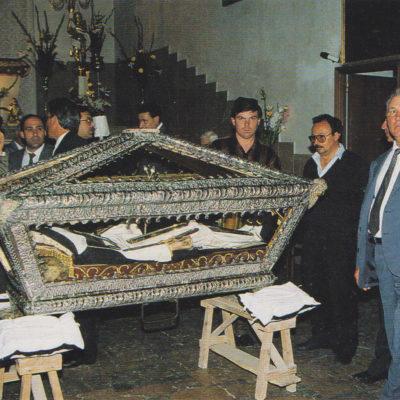Preparazione per la processione in preghiera (1991)