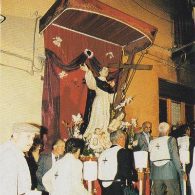 Arrivo della processione presso il simulacro del Beato nel quartiere Rabbato (foto primi anni '90)